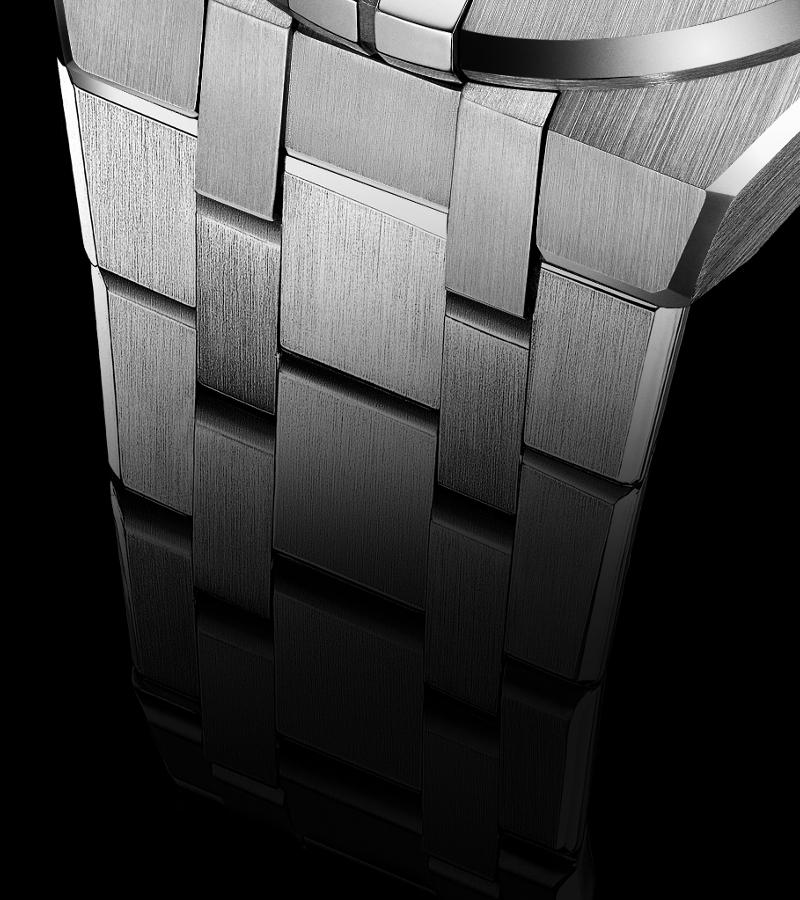 maurice-lacroix-aikon-chronograph-ai6038-ss002-330-1-armband