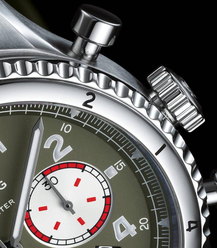 breitling-aviator-8-b01-chronograph-gehaeuse