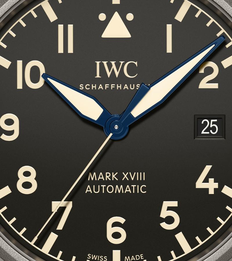 iwc-fliegeruhr-mark-iw327006-zifferblatt