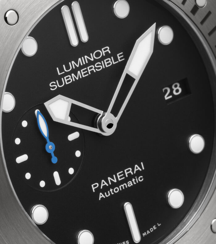 panerai-luminor-submersible-1950-pam00682-zifferblatt3
