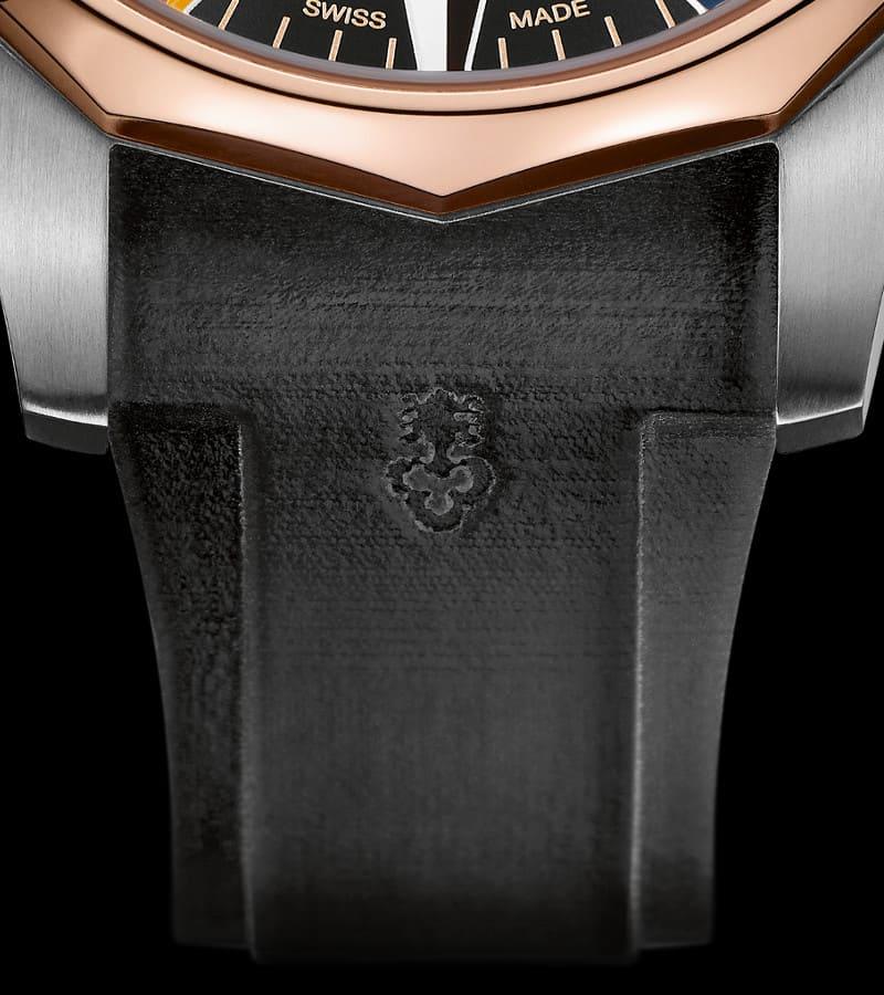corum-admiral-legend-47-worldtimer-a637-02743-armband