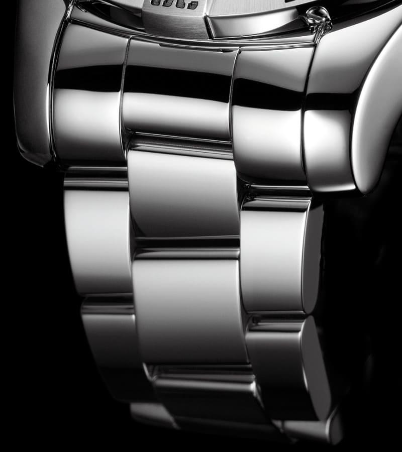 breitling-super-avenger-ii-a1337111-bc29-168a-armband