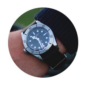 tudor-black-bay-date-bubble-300