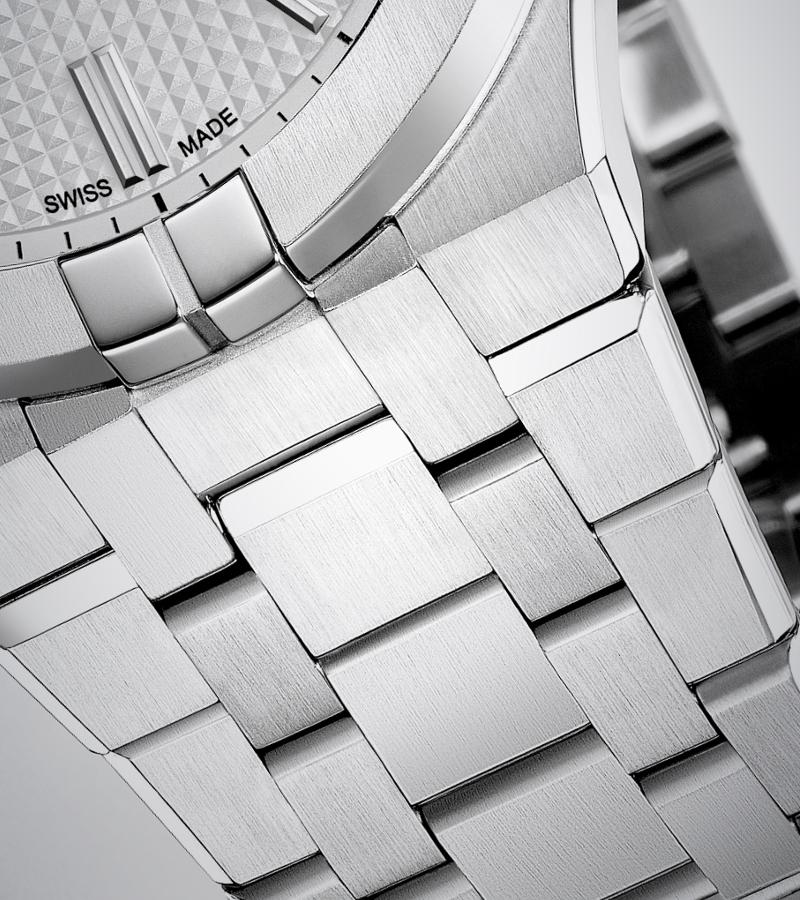 maurice-lacroix-aikon-automatic-ai6008-ss002-130-1-armband
