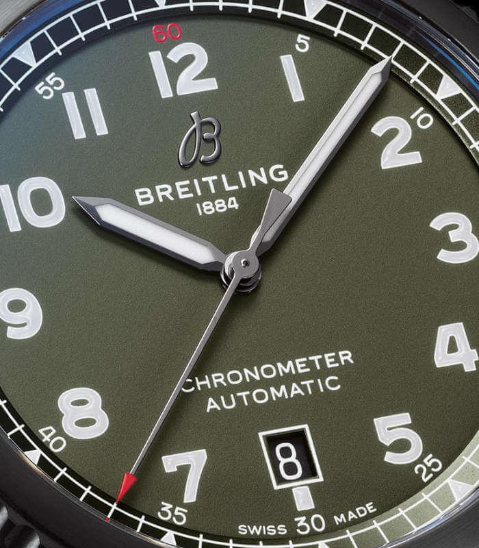 breitling-aviator-8-automatic-m173152a1l1x1-zifferblatt