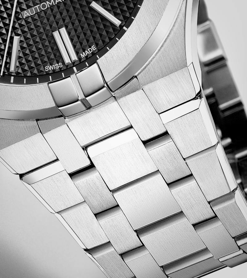 maurice-lacroix-aikon-automatic-ai6008-ss002-330-1-armband